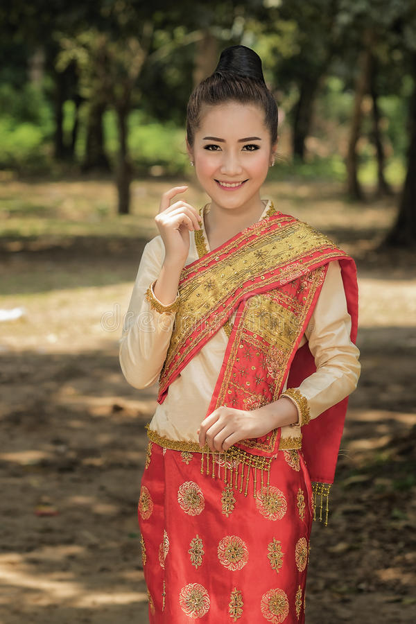Traditional Laotian Wedding Dress T Shirt Design 2018