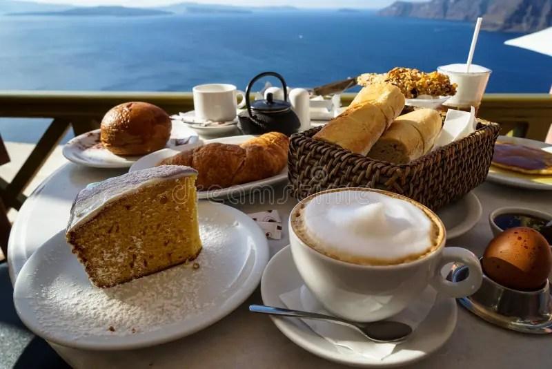 appreciez le beau petit dejeuner avec