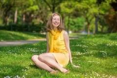 https://i2.wp.com/thumbs.dreamstime.com/t/beautiful-girl-yellow-dress-sitting-grass-41591740.jpg?w=525&ssl=1