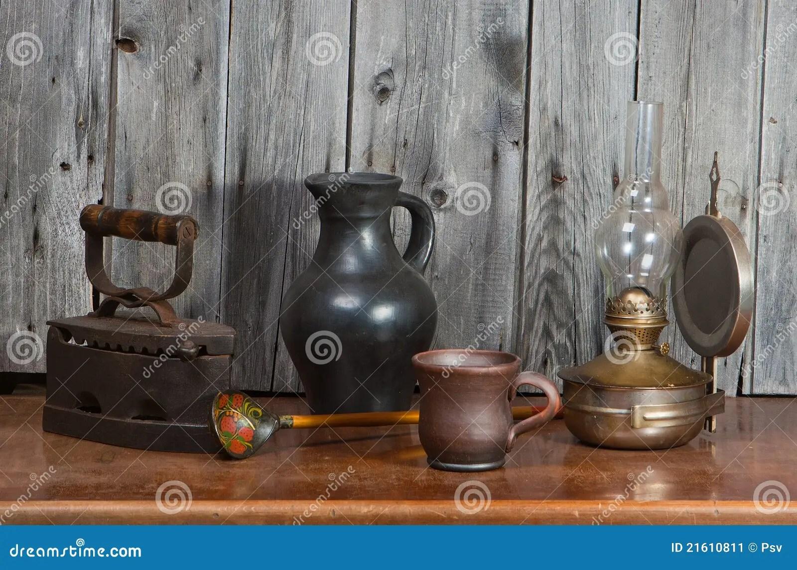 Alte Sachen stockbild. Bild von laterne, keramik