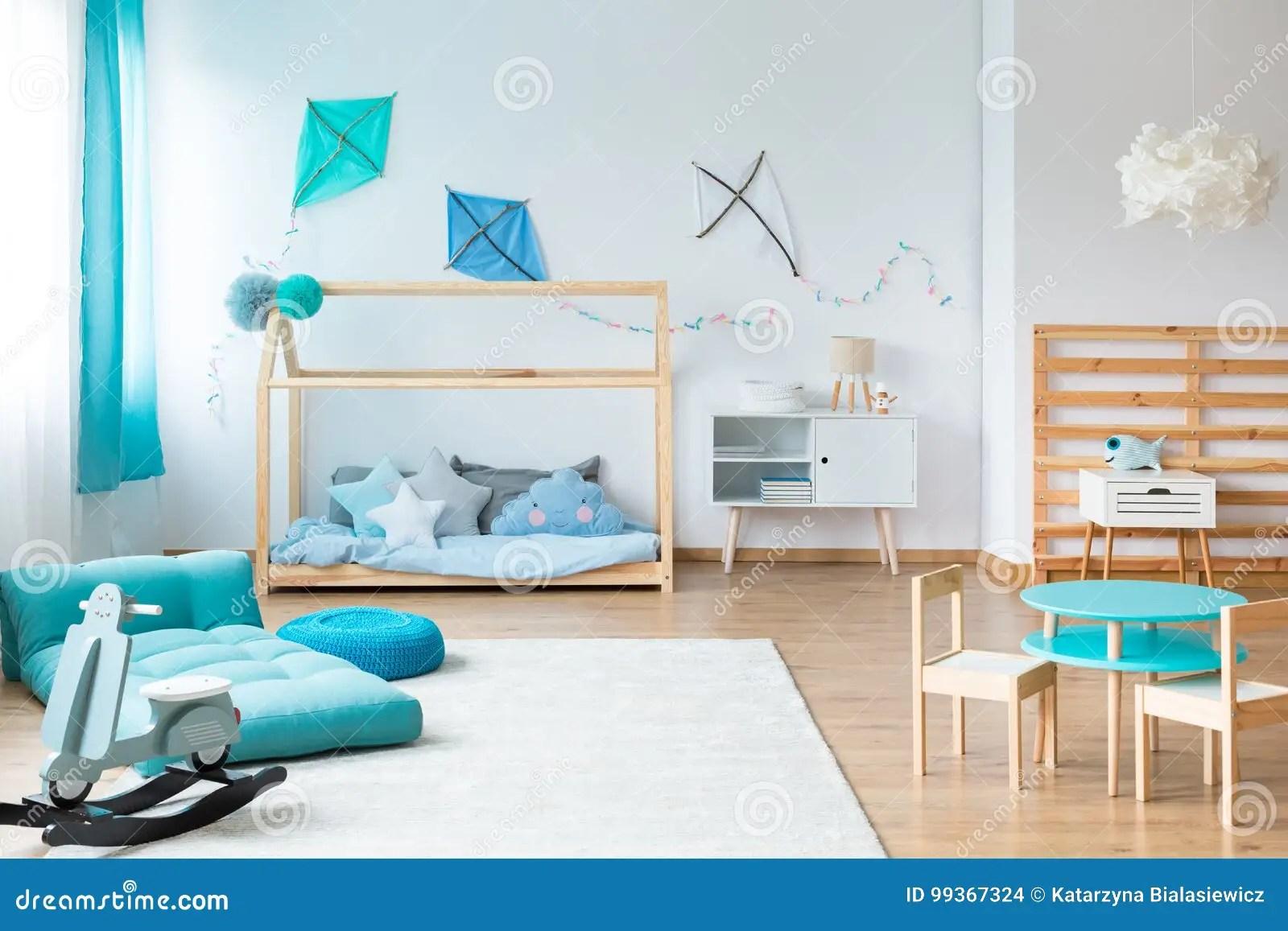badine la chambre a coucher avec les meubles faits main