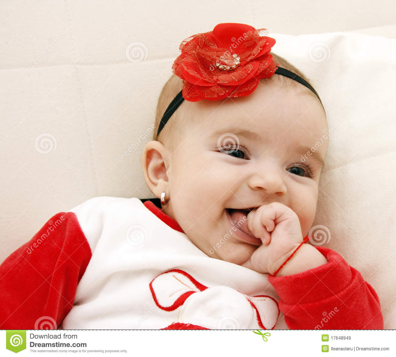 beautiful baby girl royalty free stock images - image: 17648949
