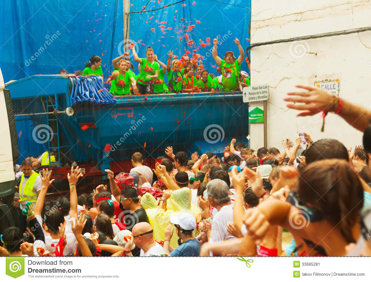 Beginning Of La Tomatina Festival Editorial Photo