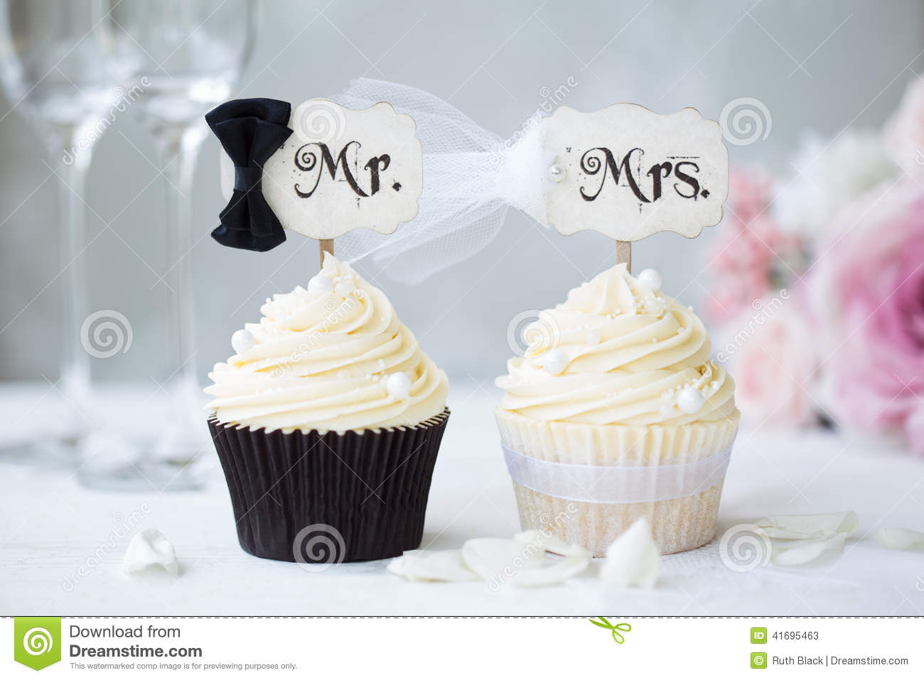 Bride And Groom Cupcakes Stock Photo Image 41695463