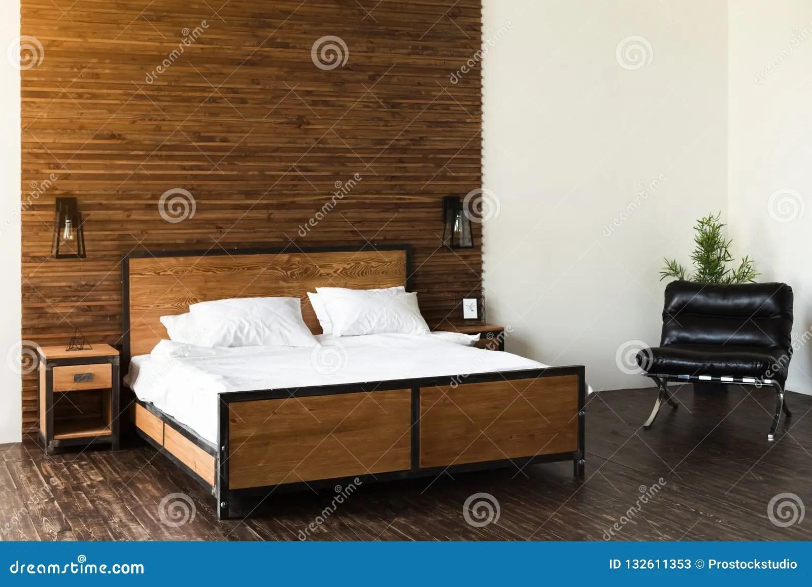 coucher en bois moderne image stock