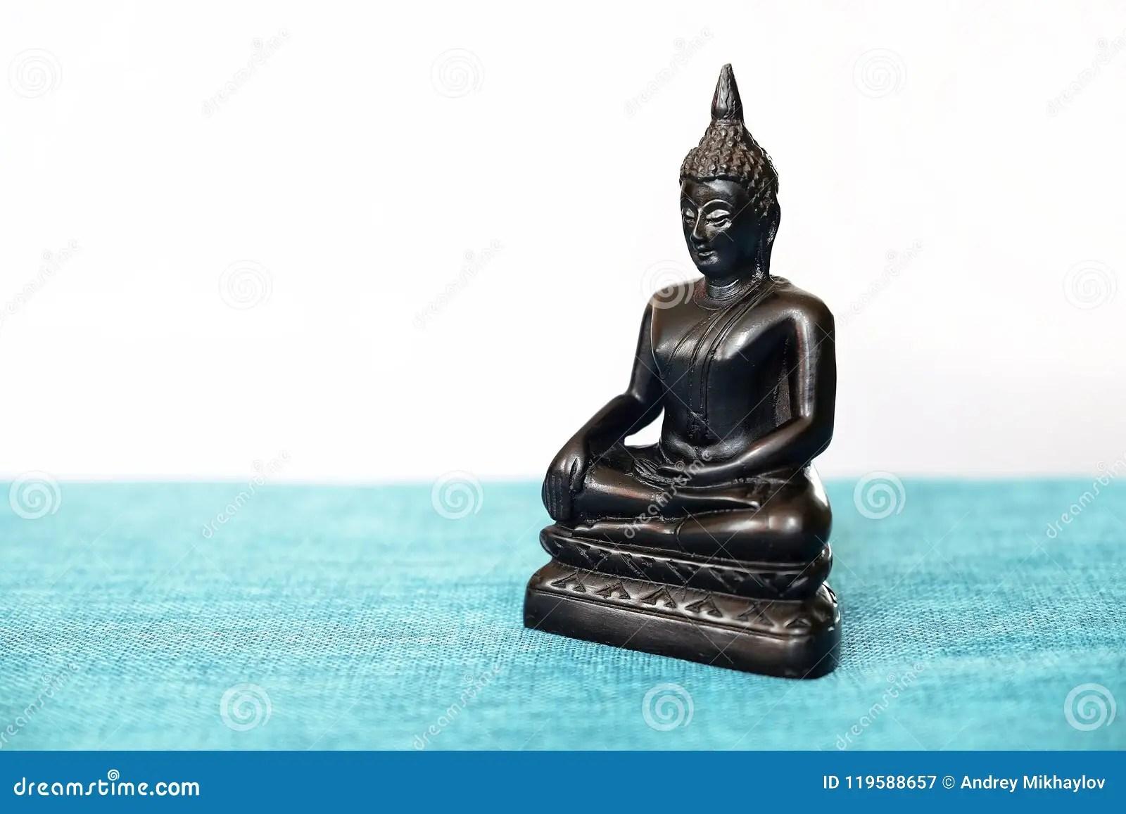 94 Siddhartha Gautama Statue
