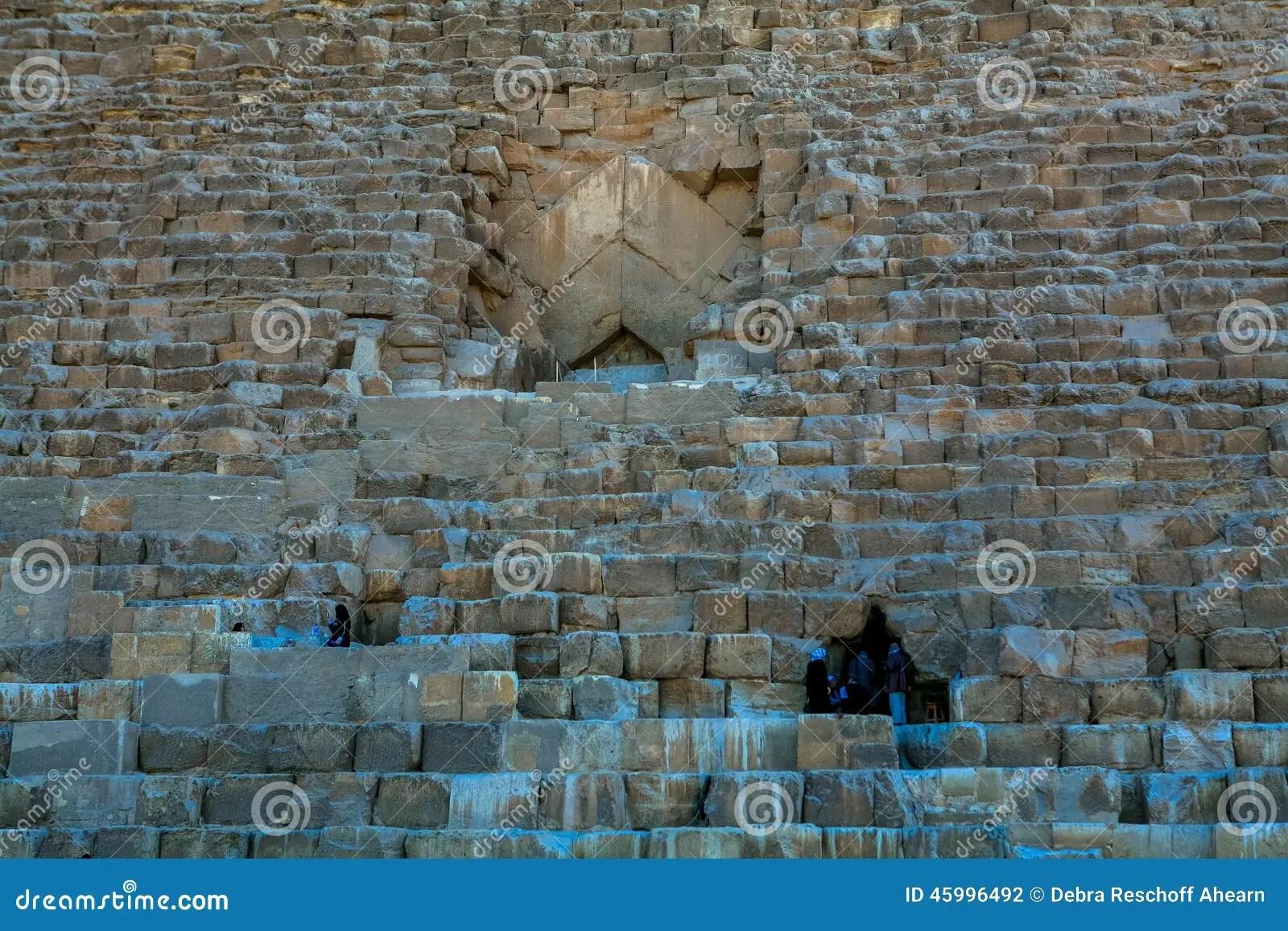 Building Great Sphinx