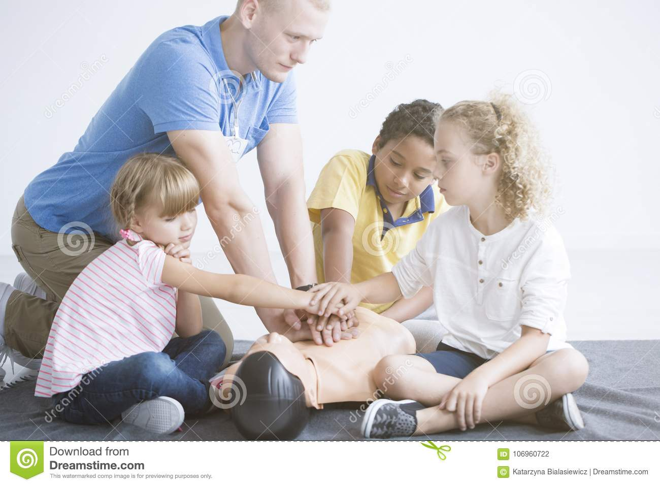 First Aid Training For Children Stock Photo