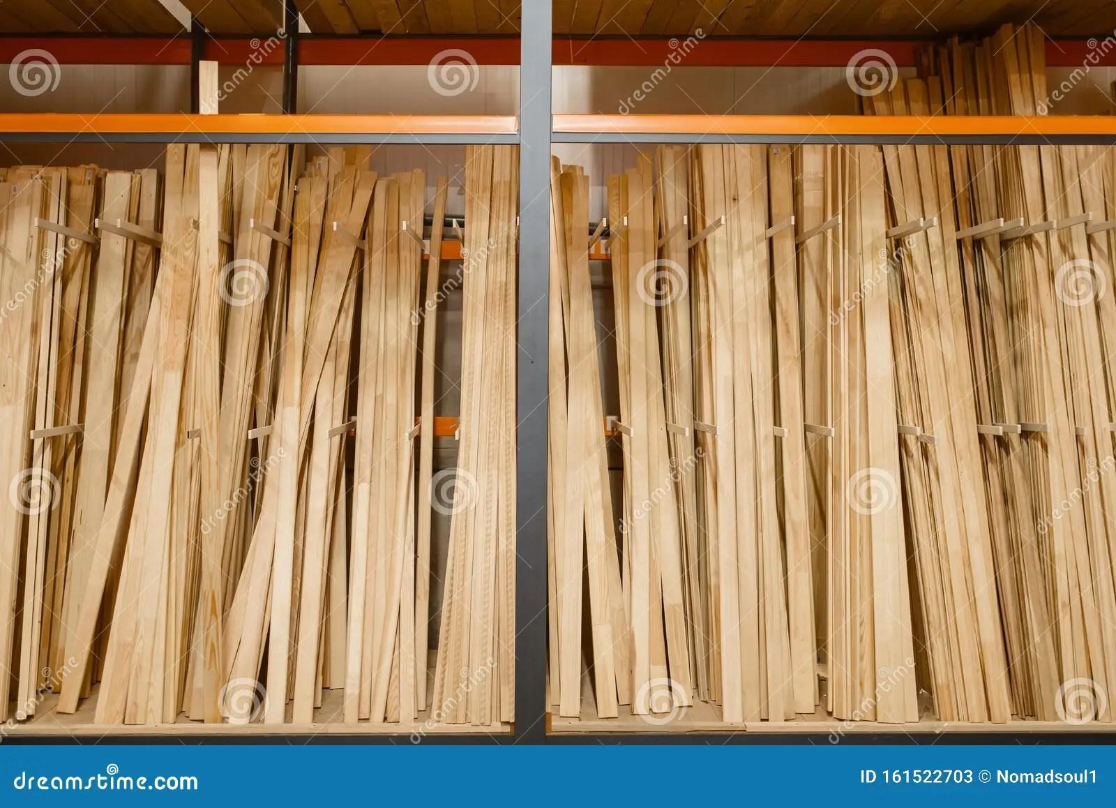 avec planche en bois image stock