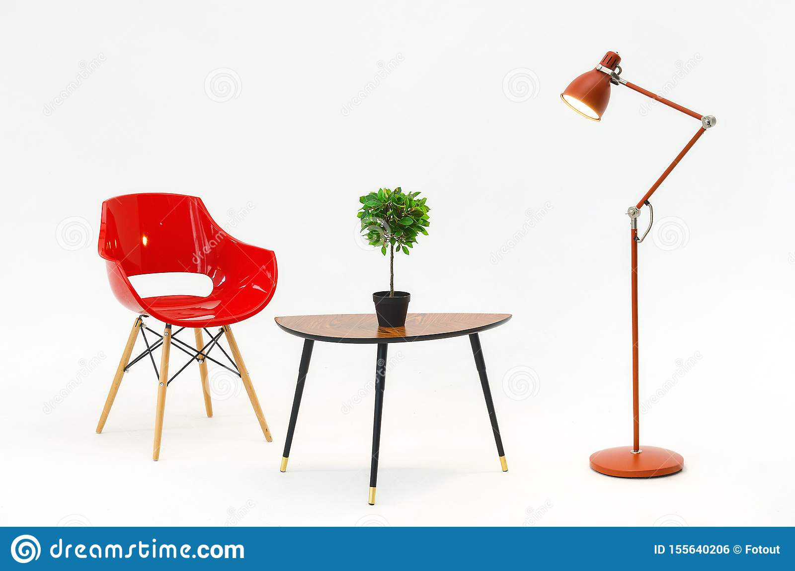 chaise rouge lampe table basse