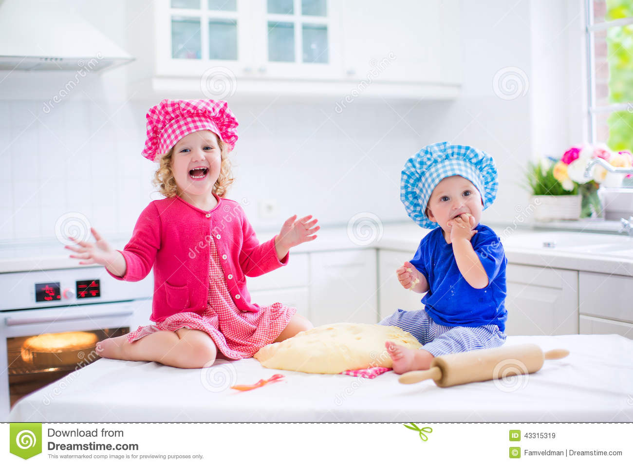 Kids Baking Pie Stock Image Image Of Chef Little Child