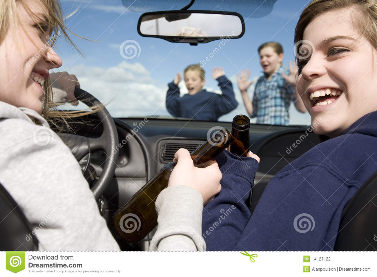 Kids Crossing Front Car Drinking Stock Photography