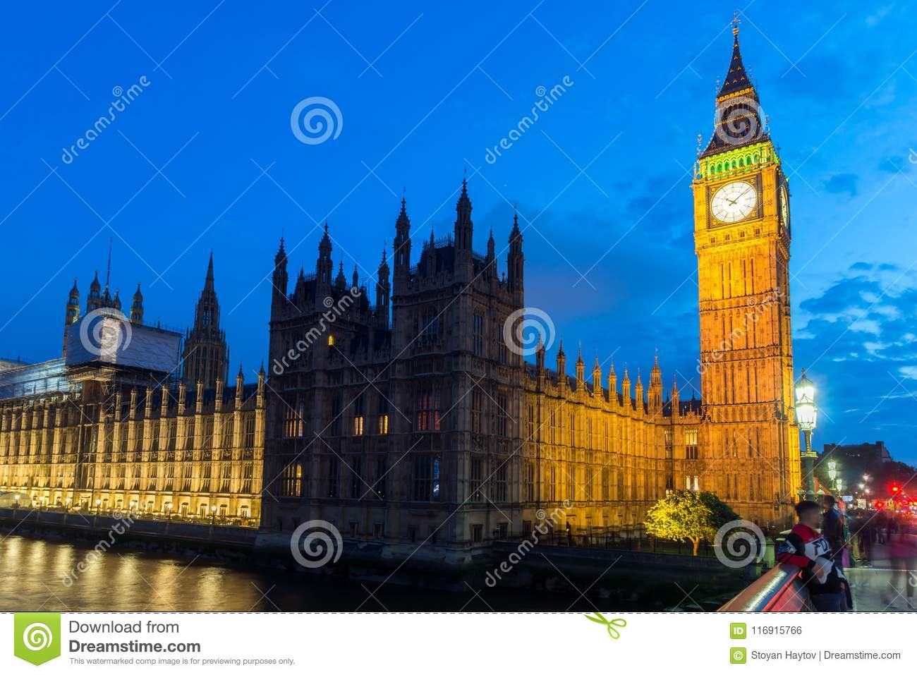 London England June 16 2016 Night Photo Of Houses Of Parliament With Big Ben From Westminster Bridge London England Great Britain