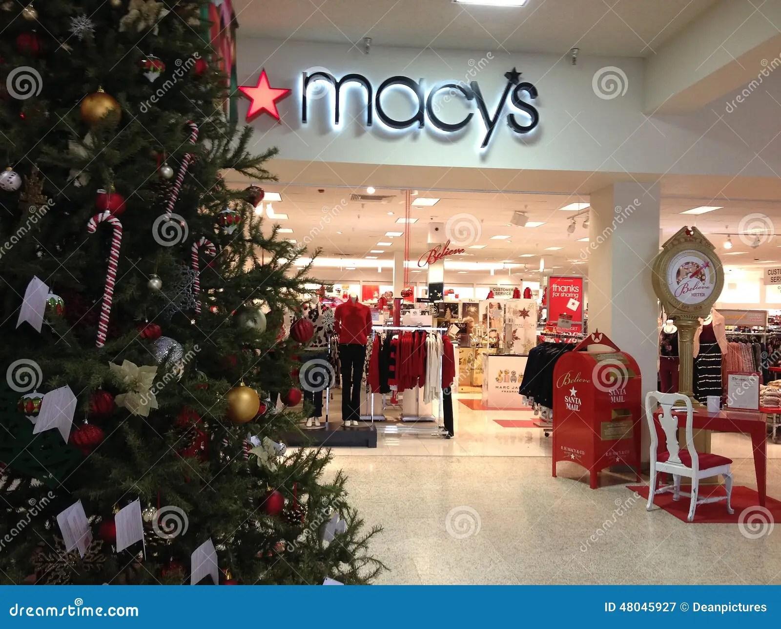 MACYS CHRISTMAS SALE Editorial Photography Image 48045927