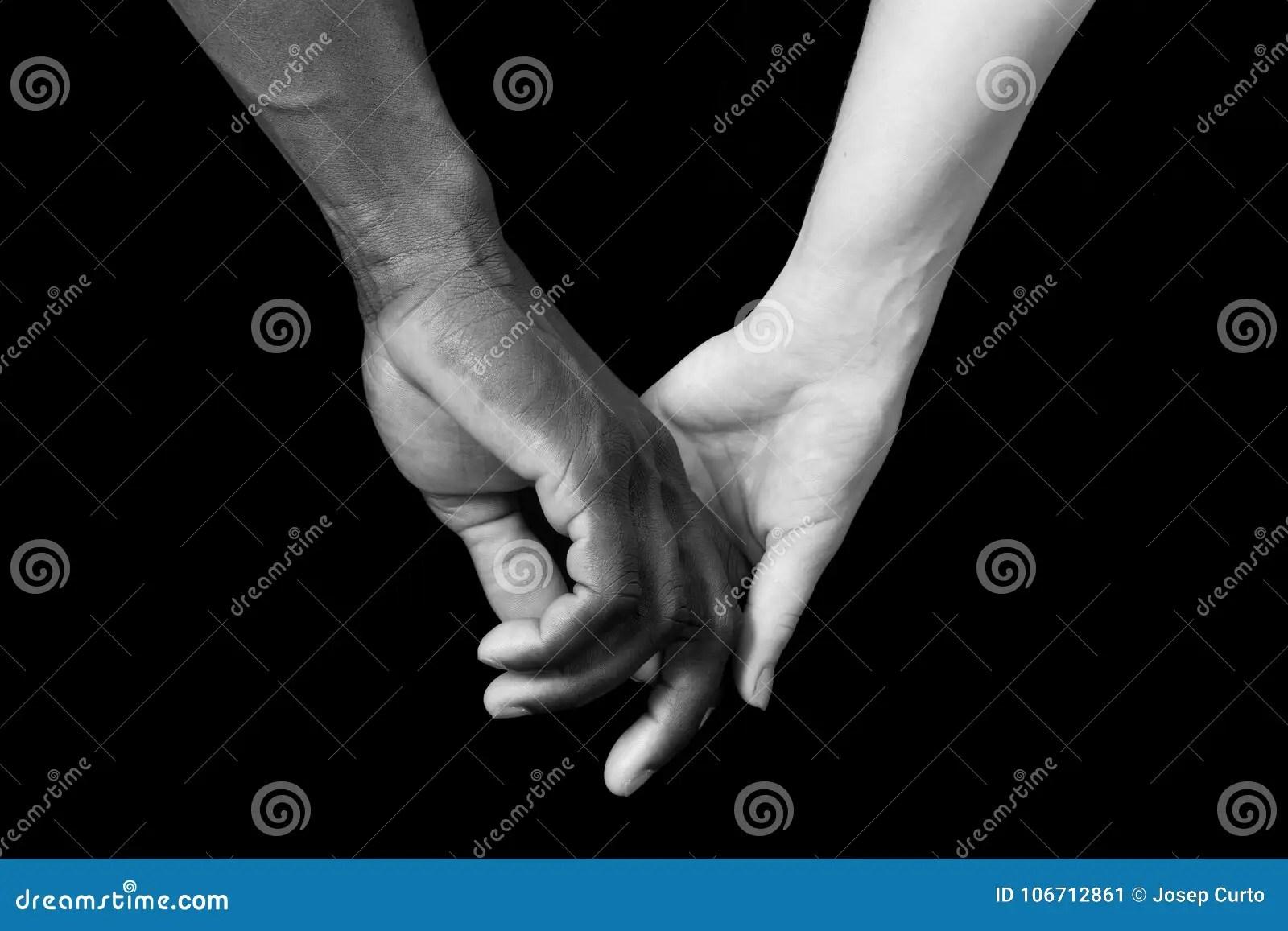 https fr dreamstime com mains d homme couleur femme blanche noir image106712861