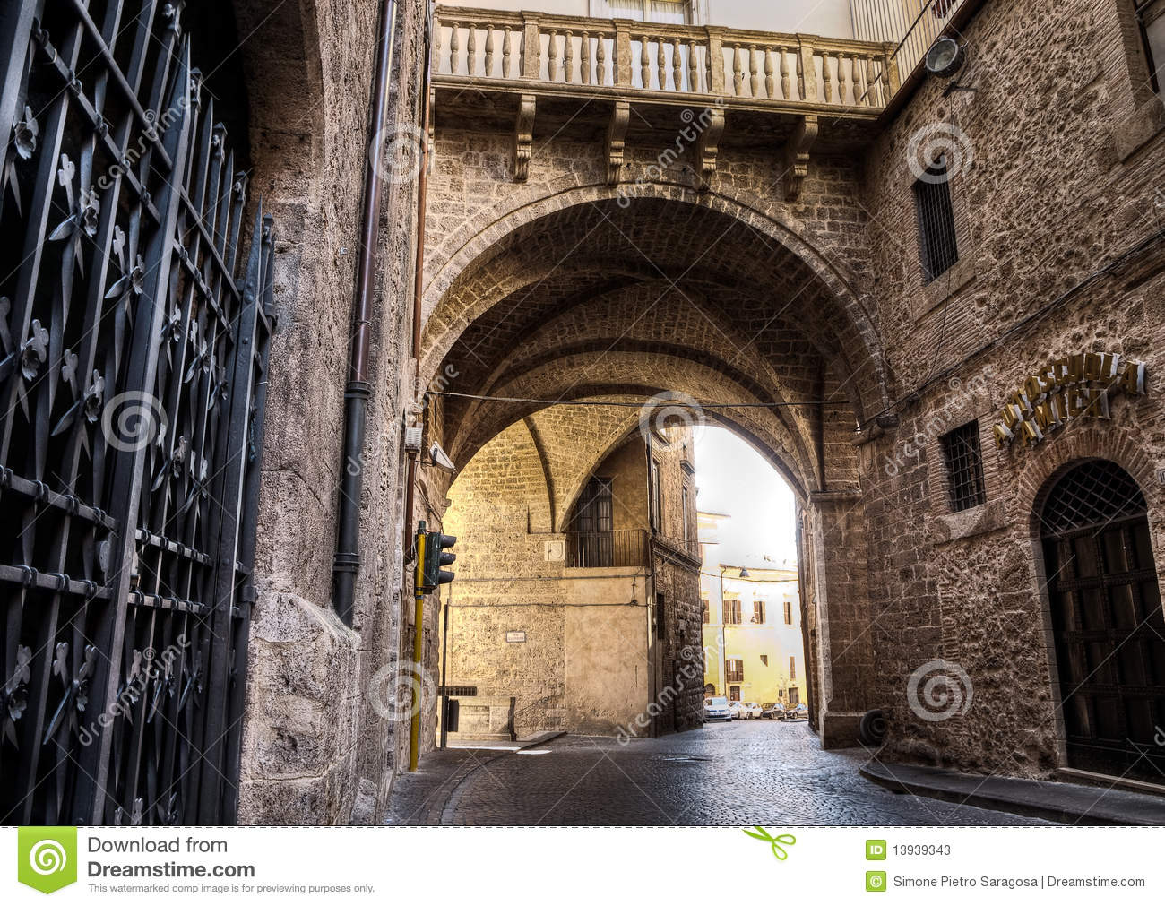 Medieval Stone Arch Stock Photos Image 13939343