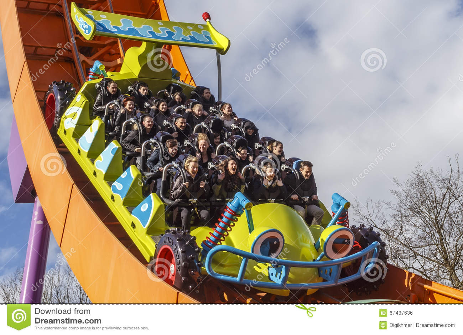 Rc Setkarza Kolejka Gorska Przy Disneyland Pary Zdj Cie Editorial