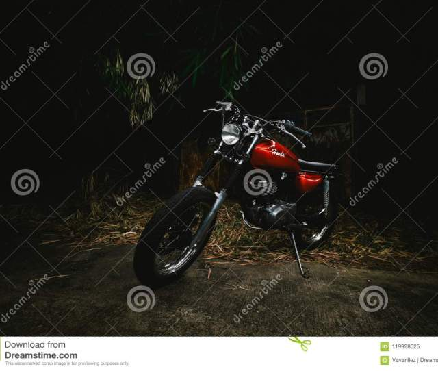 Red Honda Jx110 With Lightpainting Photography Wallpaper For Bike Lovers Classic Bike Custom Bike In Thailand