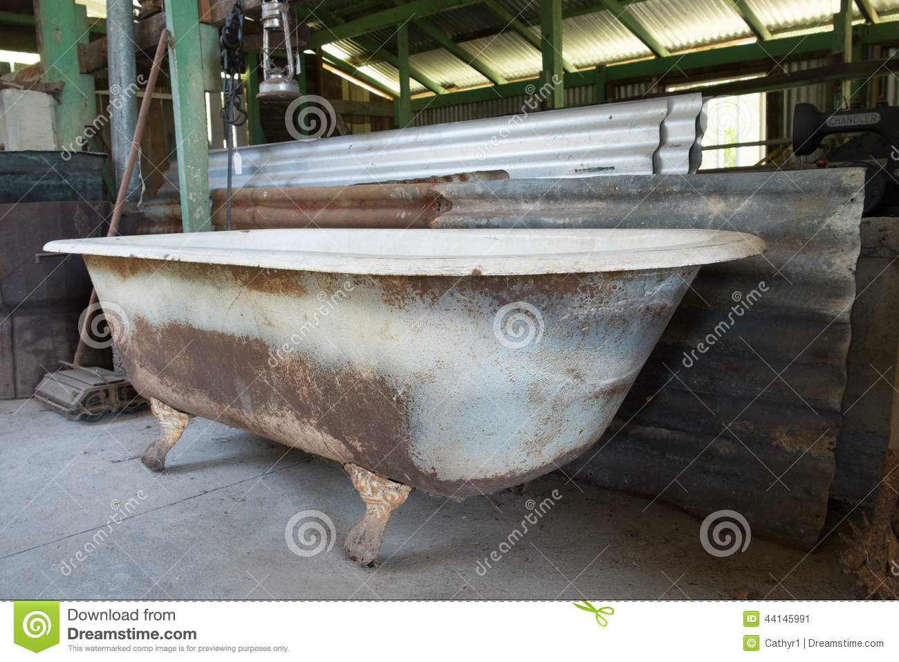Rusty Old Bathtub Stock Image Image Of Shed Bath Foot