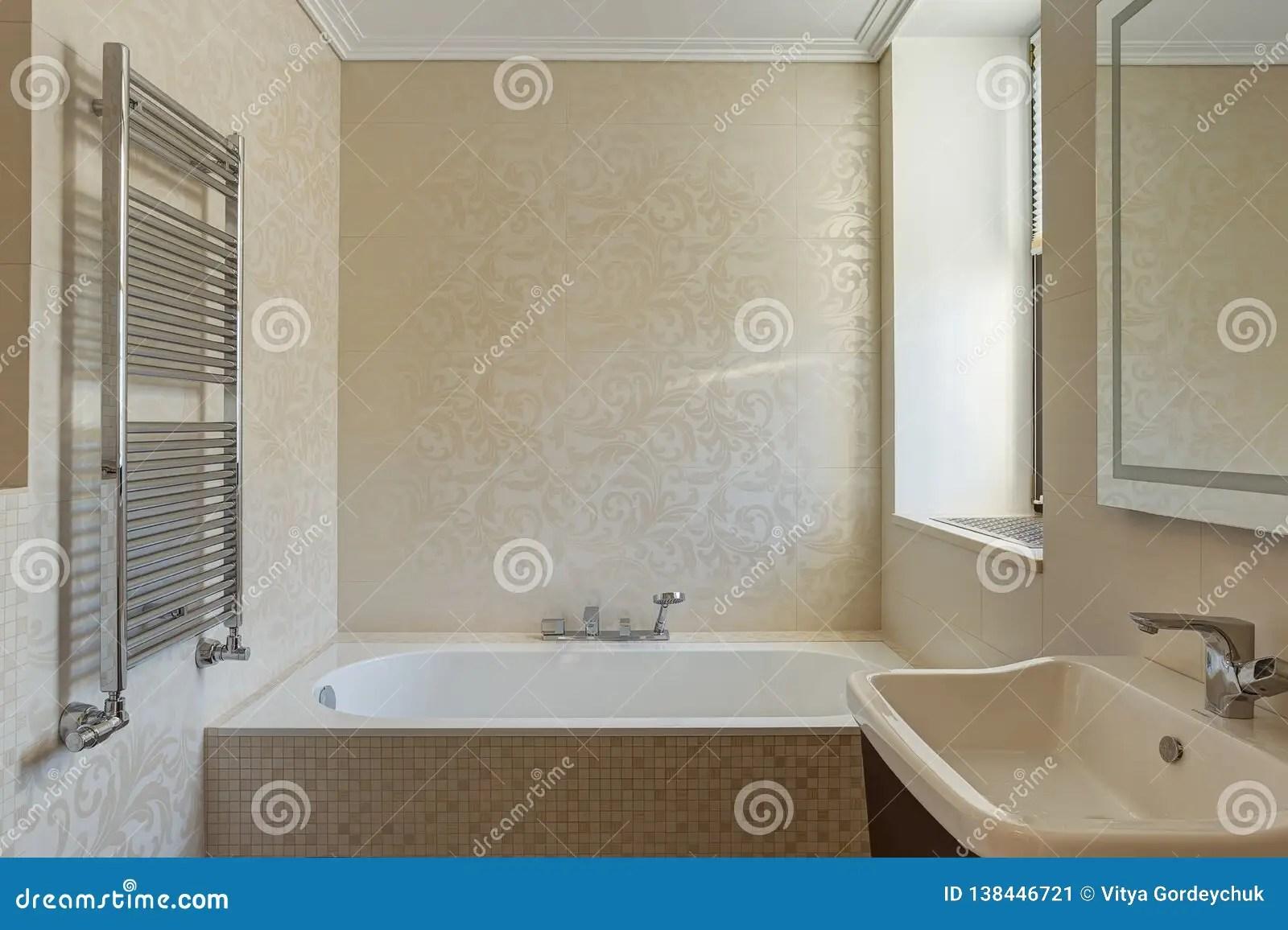 https fr dreamstime com salle bains des couleurs beiges blanches image138446721
