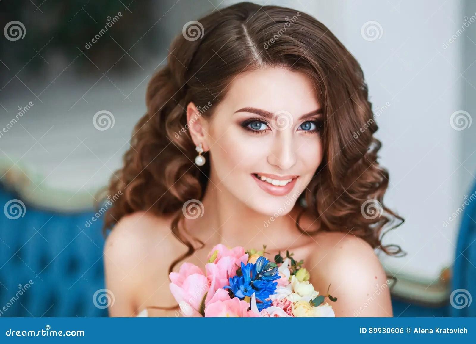 Fototapete Schone Braut Mit Hochzeit Make Up Frisur Frisch