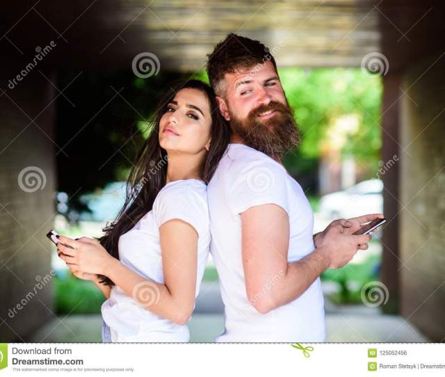 Virtual Cheating Online Couple Ignore Real Communication Couple Chatting Smartphones