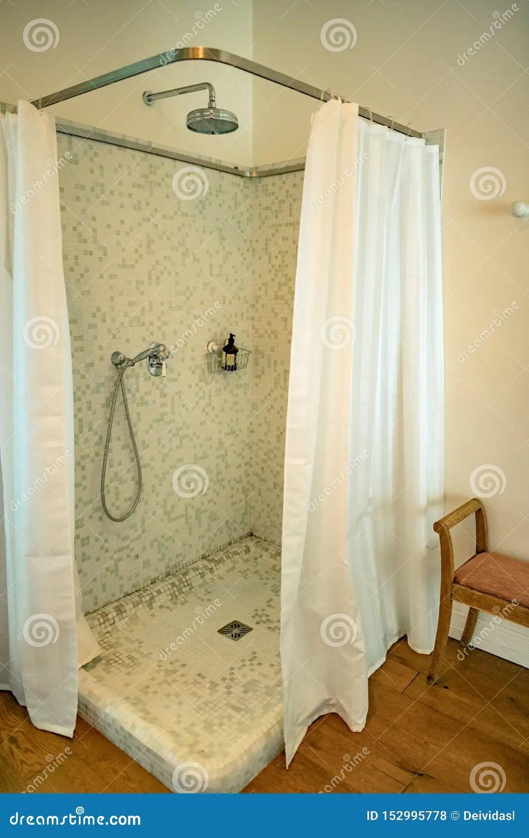 bathroom curtain instead of door