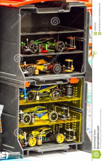 Tamiya Plastic Model Scale Miniature R C RC racing Car In A Storage     Download comp