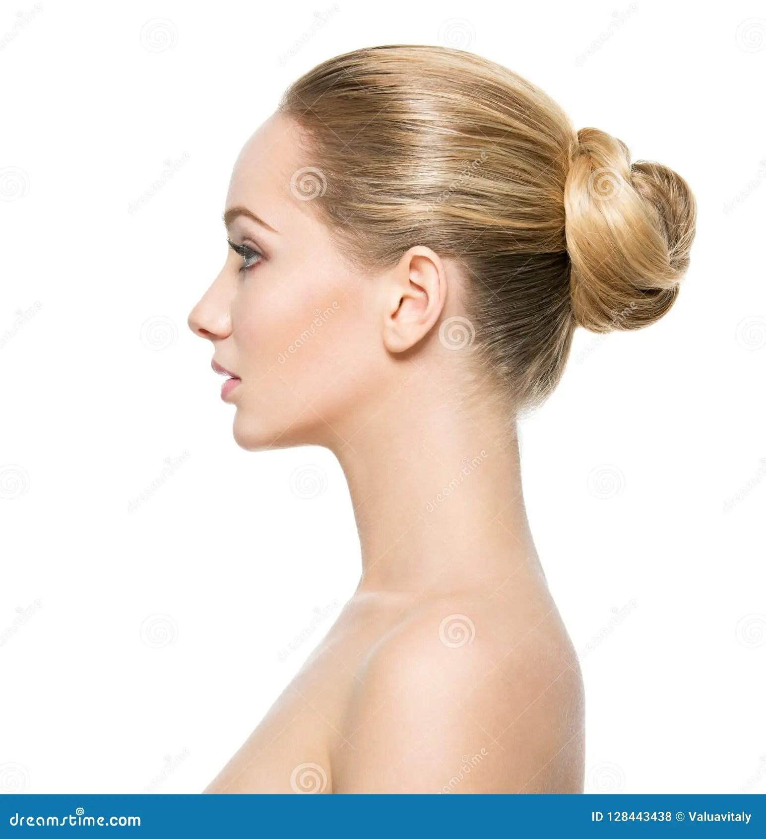 Visage De Profil De Jeune Femme Photo Stock Image Du Assez Frais 128443438