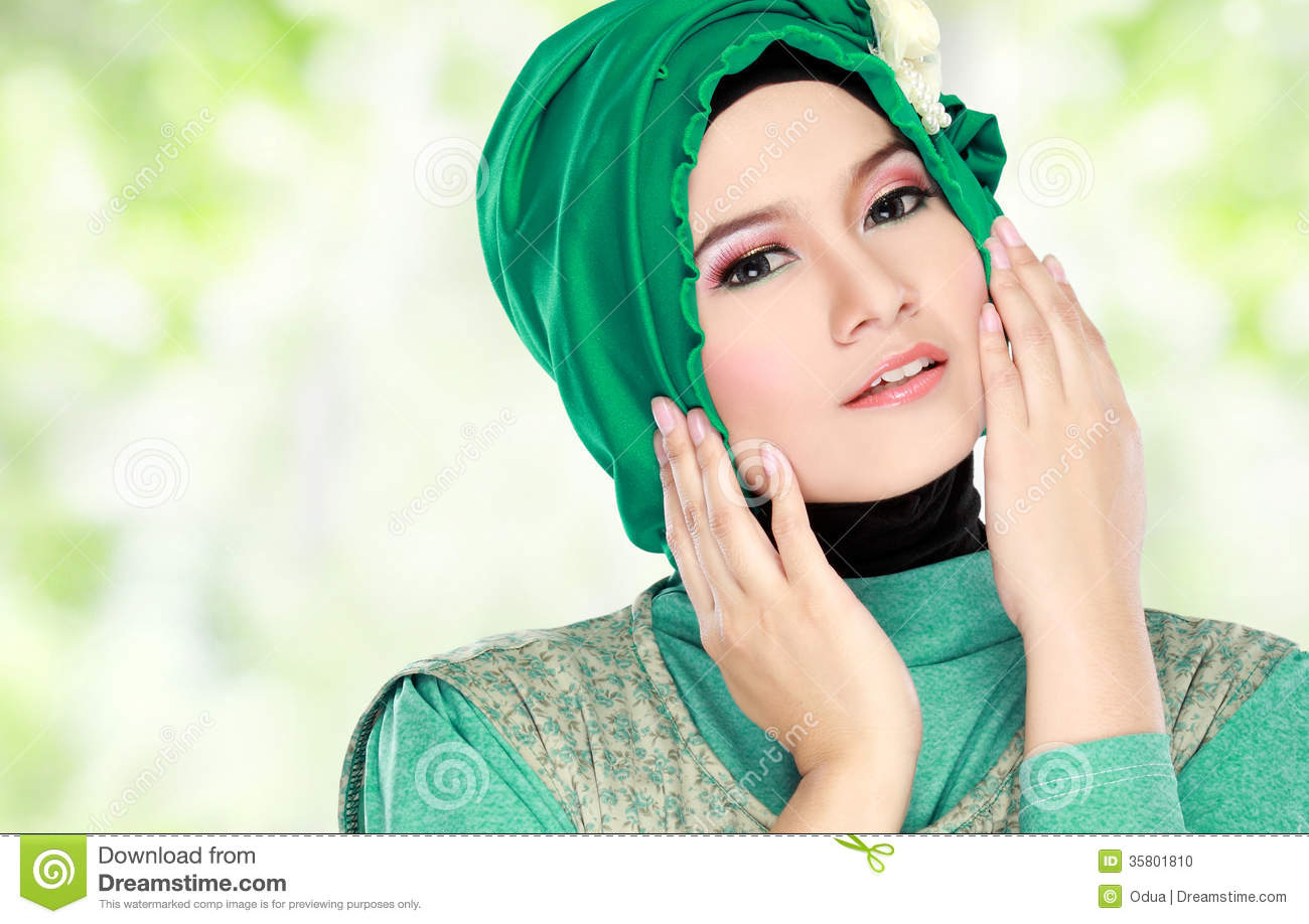 Wearing Girl Cartoon Green