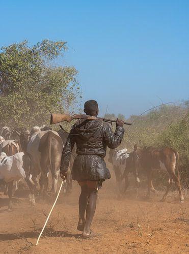 Herder met geweer in Madagaskar