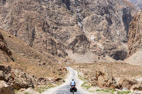 Solo fietser op de Pamir Highway
