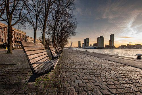 Rotterdam Skyline, zonsopkomst met uitzicht op kop van zuid