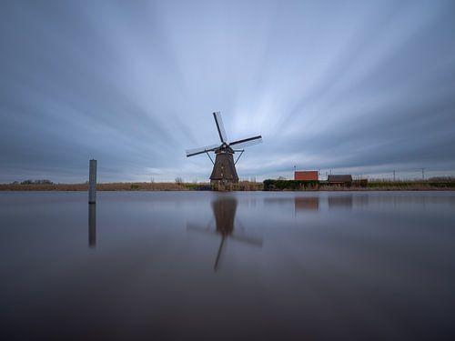 Windmolen bij het water