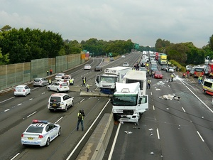 1200px-Multi_vehicle_accident_-_M4_Motorway,_Sydney,_NSW_(8076208846).jpg