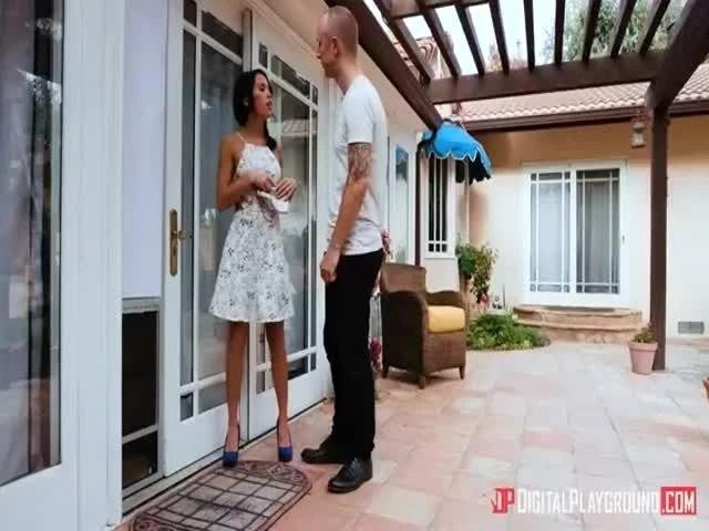 Megan Rain Doggy Door Porn Video