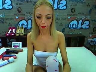 BlondeHotMILF