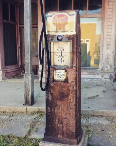 Kilmanagh Gas Pump - Michigan Roadside Attractions