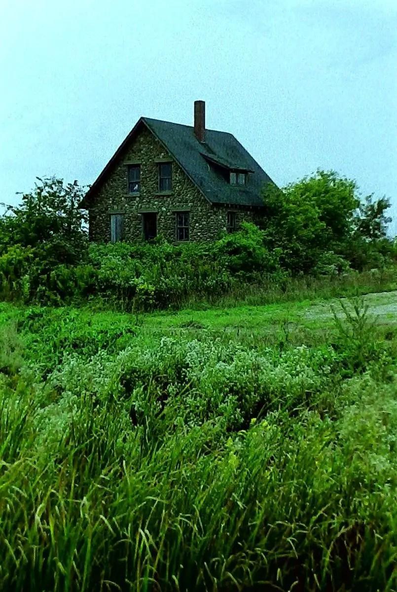 Stone Farmhouse Full
