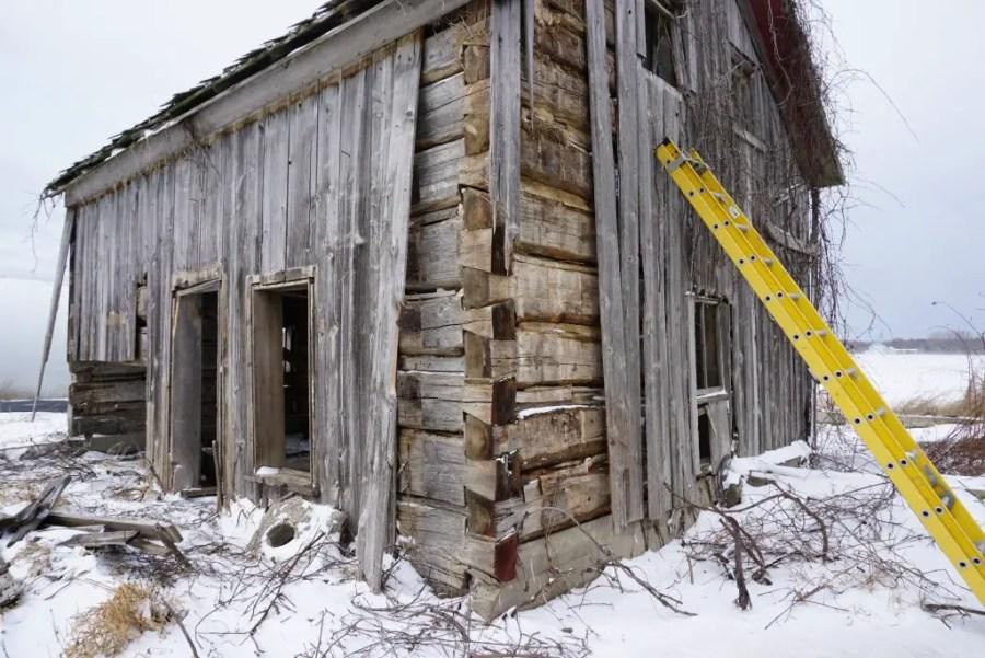 Dovetail Joint Workmanship - Ora Labora cabin