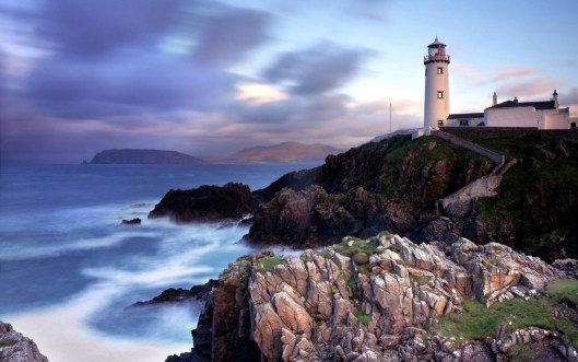 lighthouse on the rock HD WALLPAPER