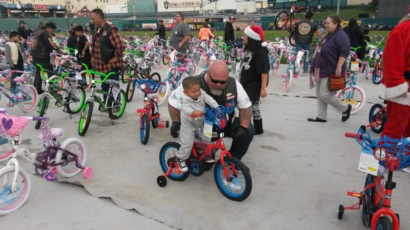 18th annual Hell's Angels Fresno Toy Run: Big hearts and