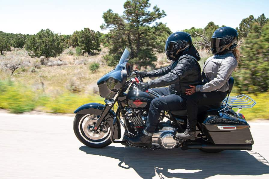 Holt and Monge in a fully relaxed cruising mode after 300 miles on I40.