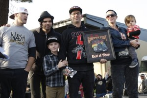 Nick Perri (second from left) presented the Best-of-Show trophy made by Sonny Boy to Scott Jones of Noise Cycles and his family for the 1959 H-D Pan/Shovel