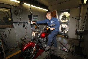 Bobby Goad does the baseline dyno runs on my Switchback prior to the install