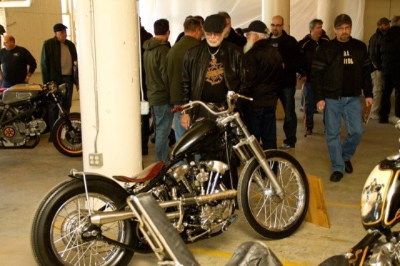 Willie G. Davidson checks out a '41 Knucklehead built by Richie Phillips of St. Louis, Missouri