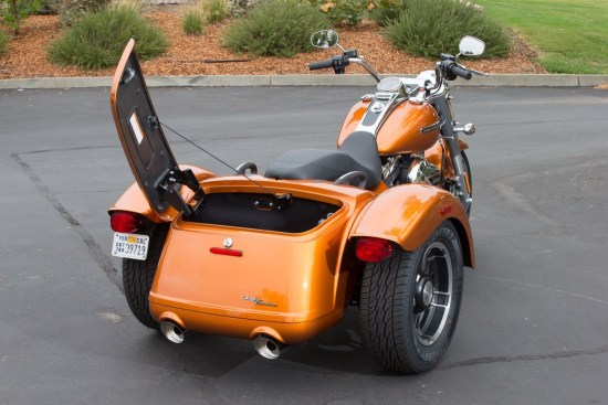 A side-opening, full-width lid provides easy access to the Freewheeler's spacious trunk