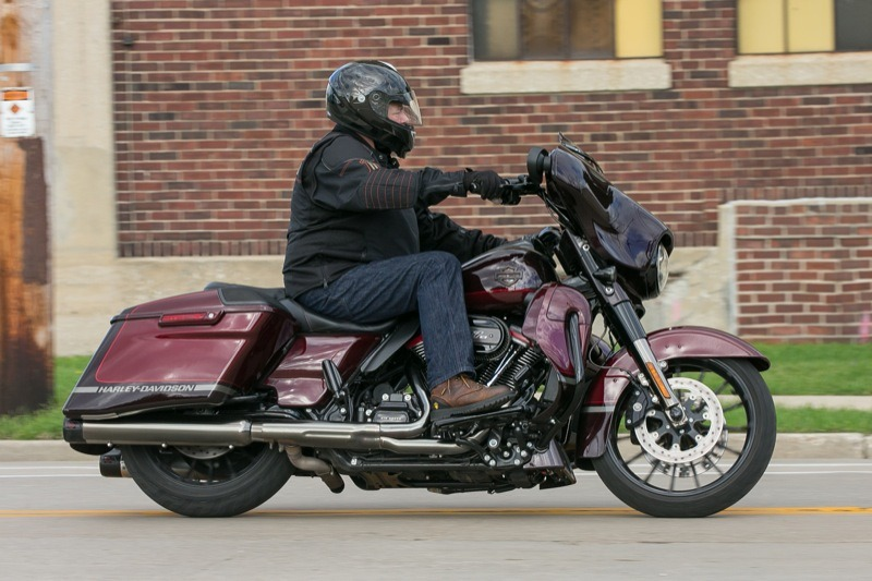 While jamming tough construction areas of Milwaukee during the 115th, the 2019 CVO Street Glide took it all in stride