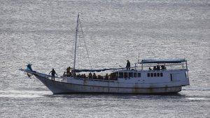 146788-asylum-seeker-boat