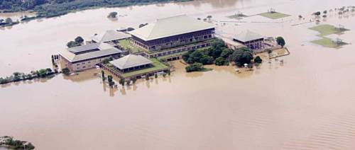 sri-lanka-parliament-flooded-nov-2010